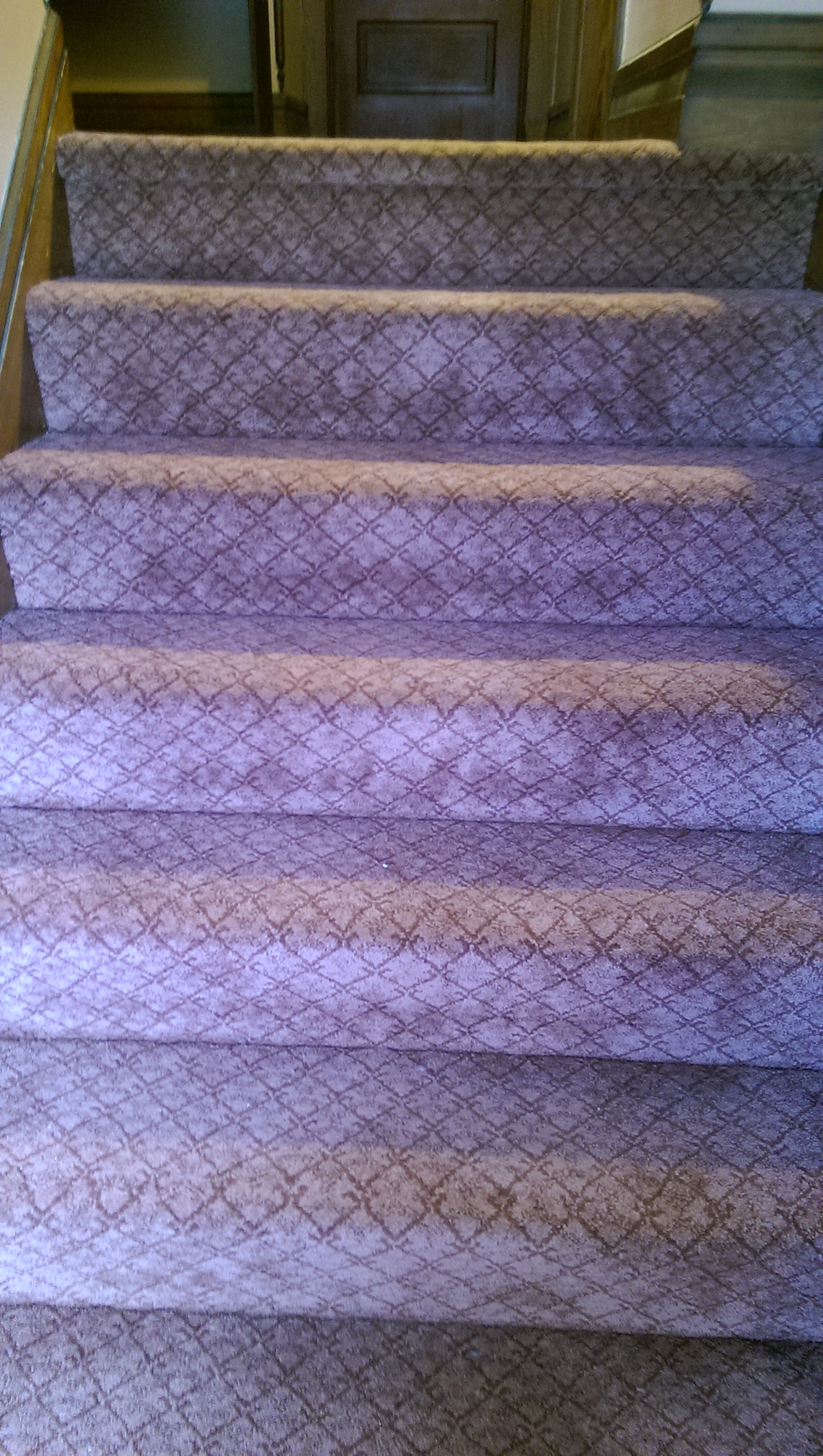 staircase-replaced-old-thread-bare-carpet-with-new-synthetic-blend